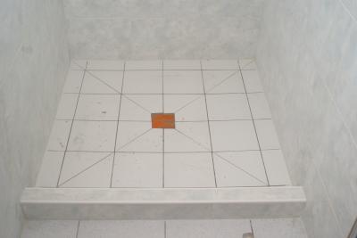 bac a douche l 39 italienne avec rebord anti retour d monstration d 39 un savoir de pr cision. Black Bedroom Furniture Sets. Home Design Ideas